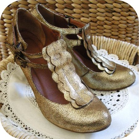 Gold Shoes 2