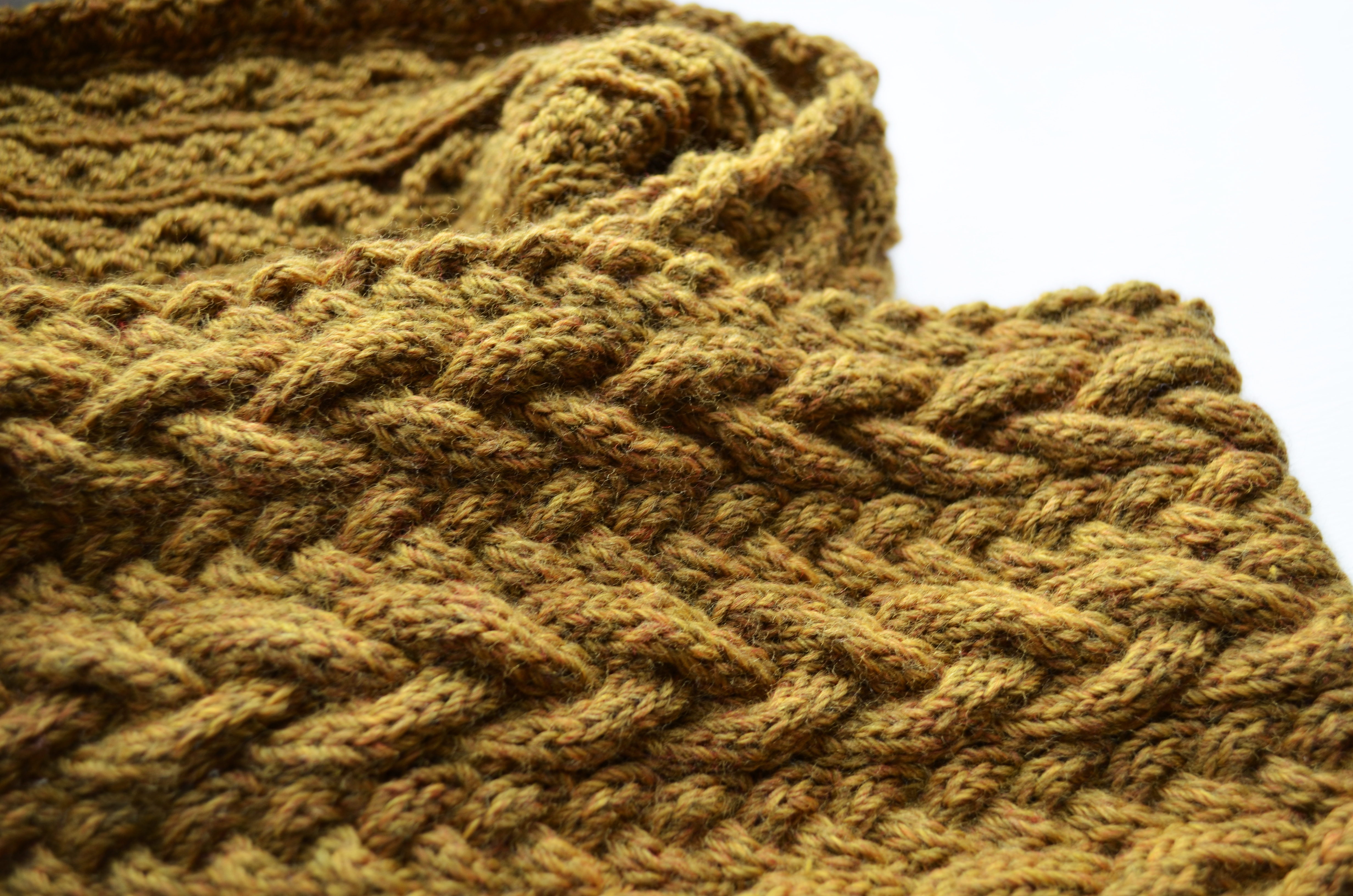 What Delilah Did: Cables, cowls and a burgeoning knitting addiction...