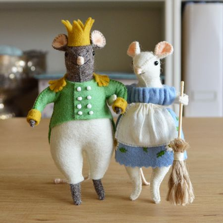 Cindermouse and Mouse Charming arm in arm
